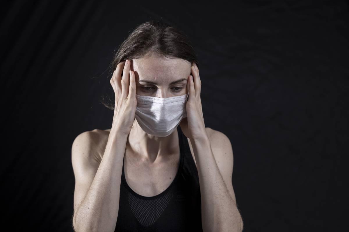Según diferentes estudios, entre un 10 y un 30% de quienes se han infectado del SARS-CoV-2 desarrollarían covid persistente.