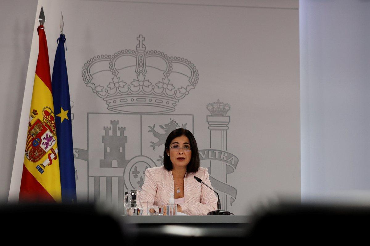 Carolina Darias, ministra de Sanidad, durante la rueda de prensa que ha tenido lugar este miércoles tras la reunión del Consejo Interterritorial. (EFE/Emilio Naranjo)