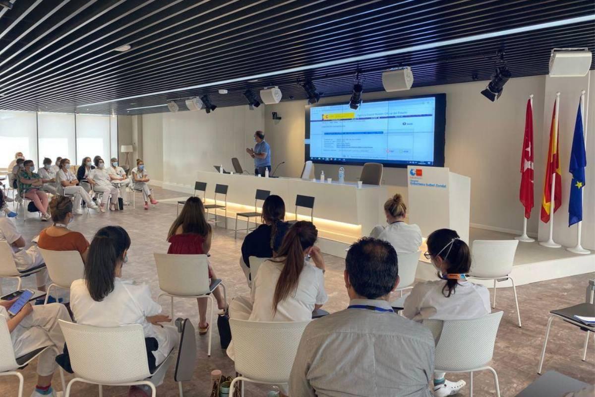 El 'Proyecto Formación Enfermera' del Hospital Isabel Zendal, ha formado desde su creación hace 8 meses a más de 230 profesionales.