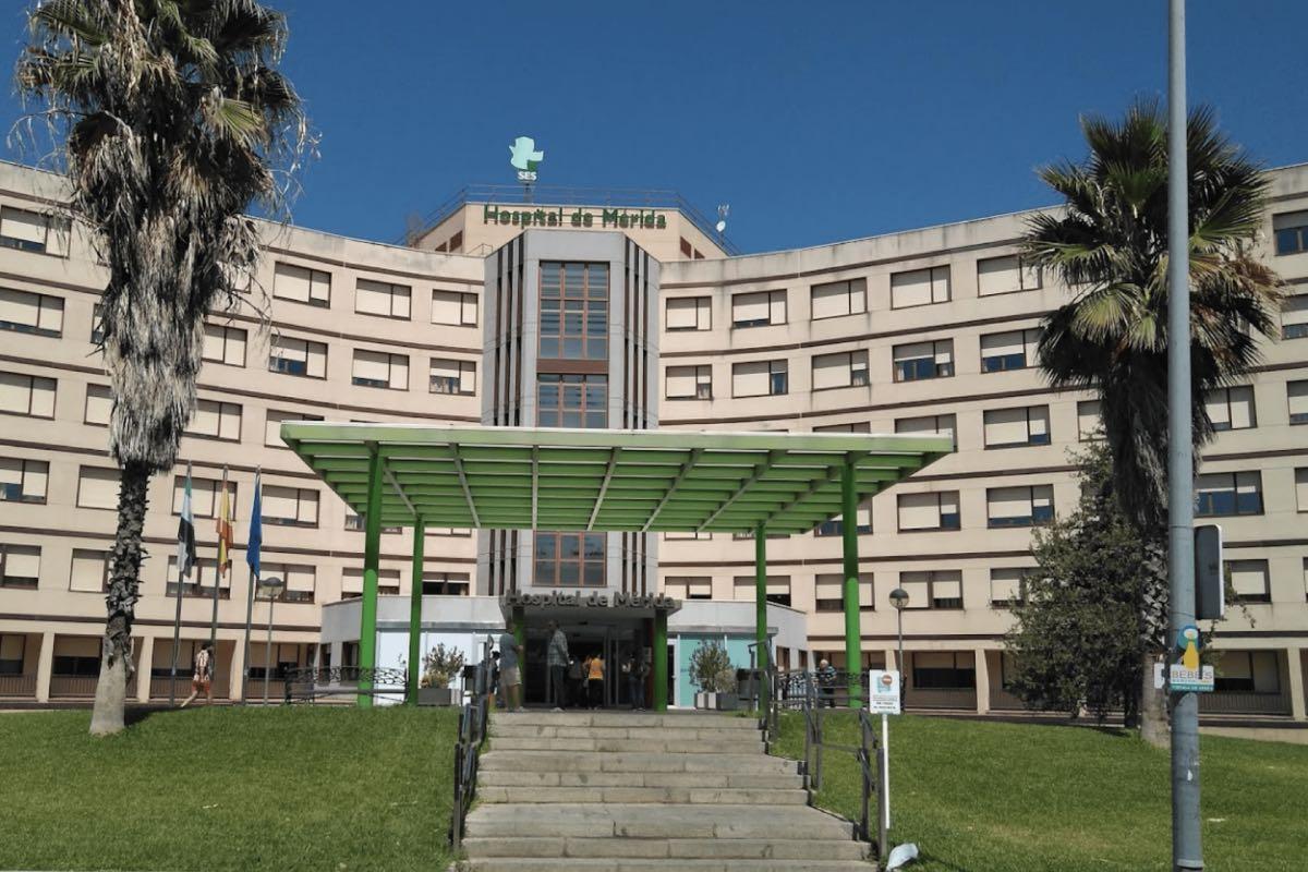 Una de las cuatro plazas de anestesista que han quedado vacantes tras el último concurso-oposición del Servicio Extremeño de Salud se ofertaba en el área de Salud de Mérida (Foto: Junta de Extremadura)