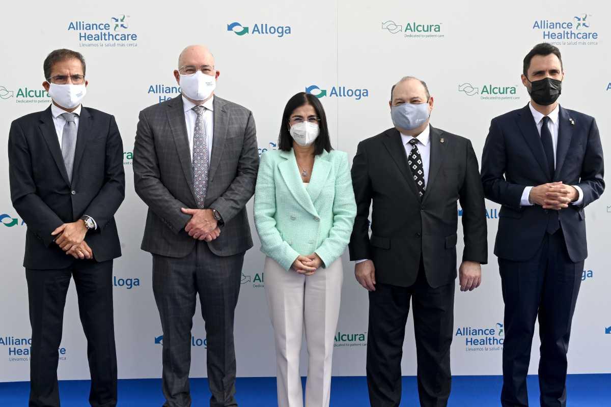 JavierCasas, StevenCollis, CarolinaDarias, CarlesRuiz y RogerTorrent en la inaguración de la nueva sede de Alliance Healthcare. foto: Alliance Healthcare