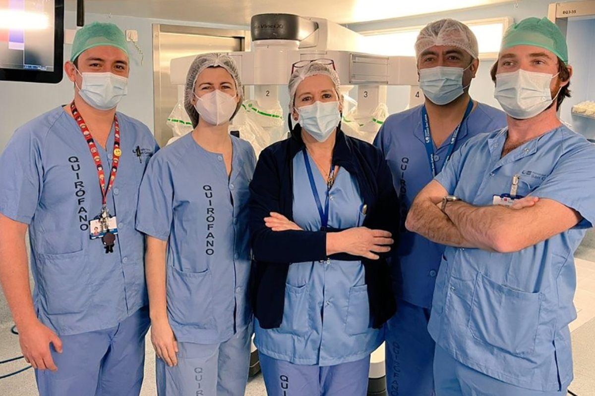 Equipo de cirugía pediátrica del Hospital Clínico de Madrid.