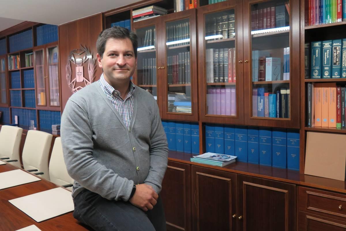 Esteban Gómez, presidente del Colegio Oficial de Enfermería del Principado de Asturias. FOTOGRAFÍA: Covadonga Diaz.