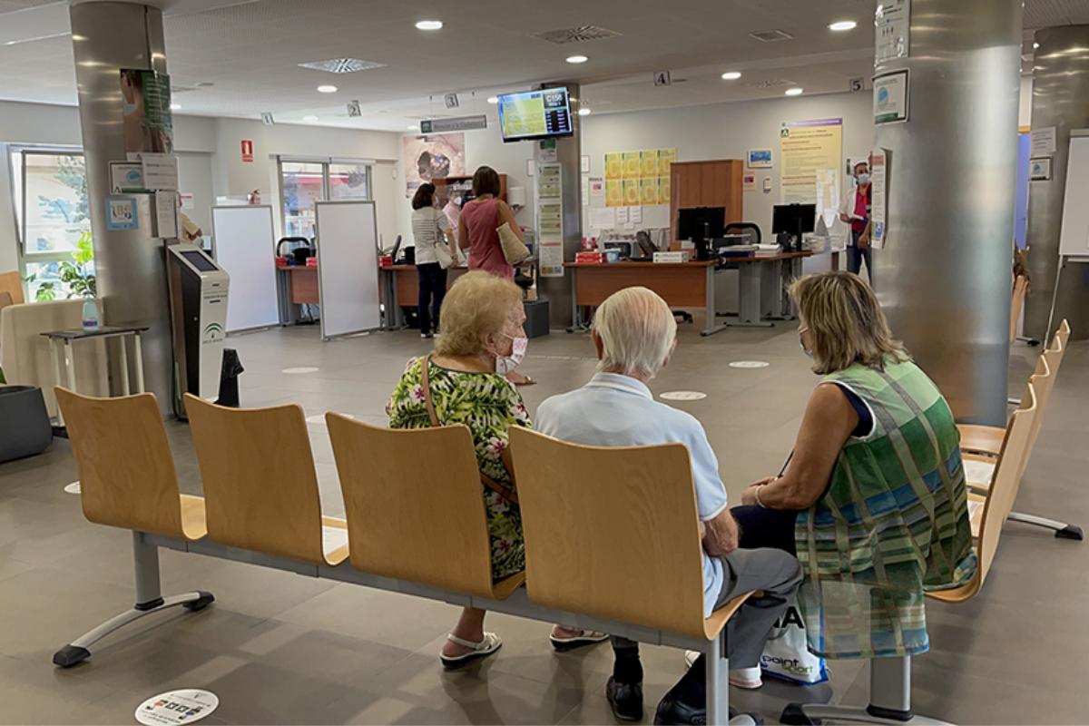 Sala de espera del centro de salud Bulevar, en Jaén.