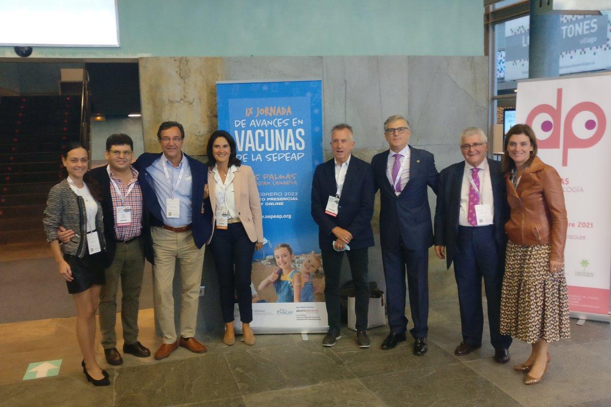 Foto de familia del Grupo de Vacunas de la Sociedad Española de Pediatría Extrahospitalaria y de Atención Primaria (Foto: Sepeap).