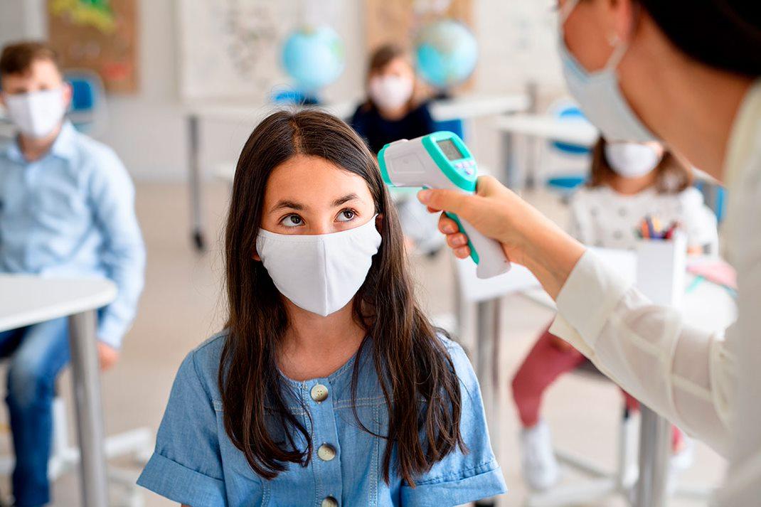 """El Colegio de Alicante pide que se """"aclare"""" la atención al alumnado con problemas de salud crónicos."""