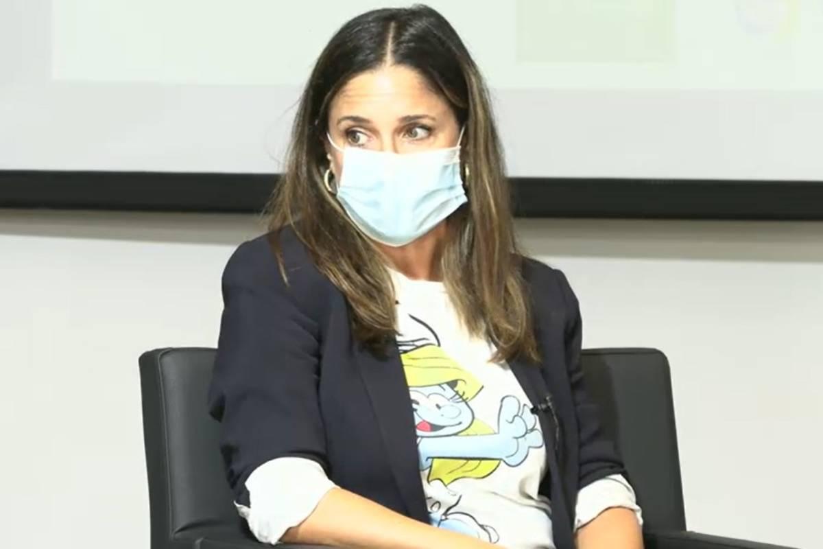 Rosario Cáceres, farmacéutica y vocal de la Asociación Española de Vacunología (AEV), en la jornada del COF de Madrid.
