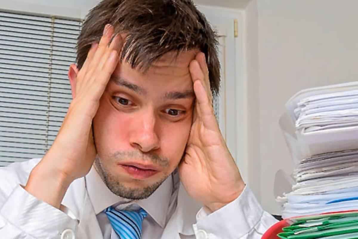 Las consultas masificadas y el poco tiempo de consulta por paciente figuran entre los principales problemas que señalan los sanitarios.