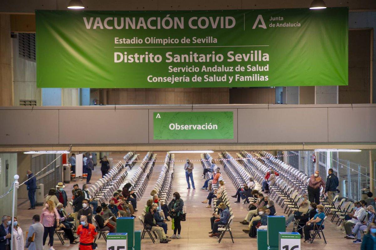Vista general de uno de los puntos de vacunación de la Covid-19 habilitados por el Servicio Andaluz de Salud (Foto: Junta de Andalucía).