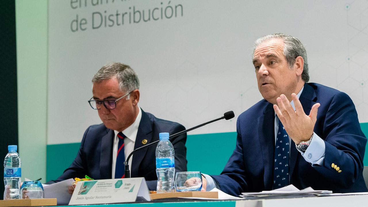 José Ramón López, vocal nacional de Distribución Farmacéutica, y Jesús Aguilar, presidente del Consejo General de COF.
