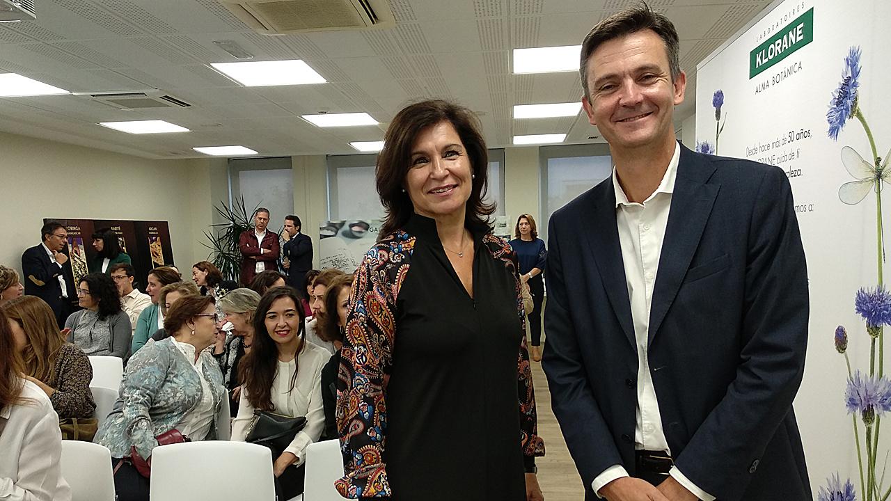 Rosa María Valls, directora de Comunicación, y Laurent Coupé, director general, de Pierre Fabre, respectivamente.