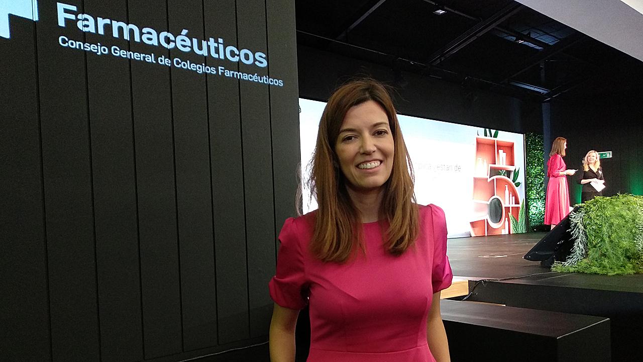 Ana Molina Ruiz, médico especialista en Dermatología, Tricología y Estética, en la jornada Másdermo, del Consejo General de COF.