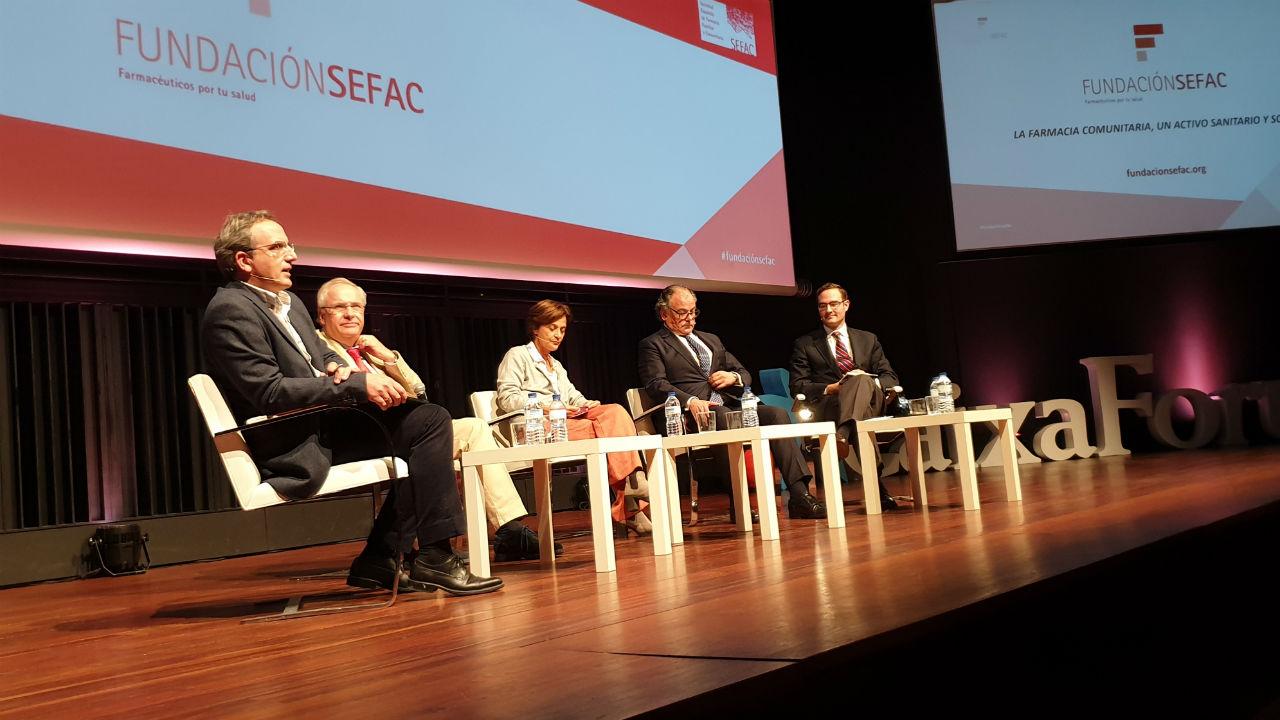 Los participantes en la mesa organizada con motivo de la presentación de la Fundación Sefac.