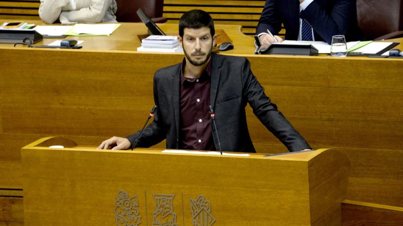 Carlos Esteve, diputado y portavoz de Compromís en la Comisión de Sanidad y Consumo de las Cortes Valencianas.