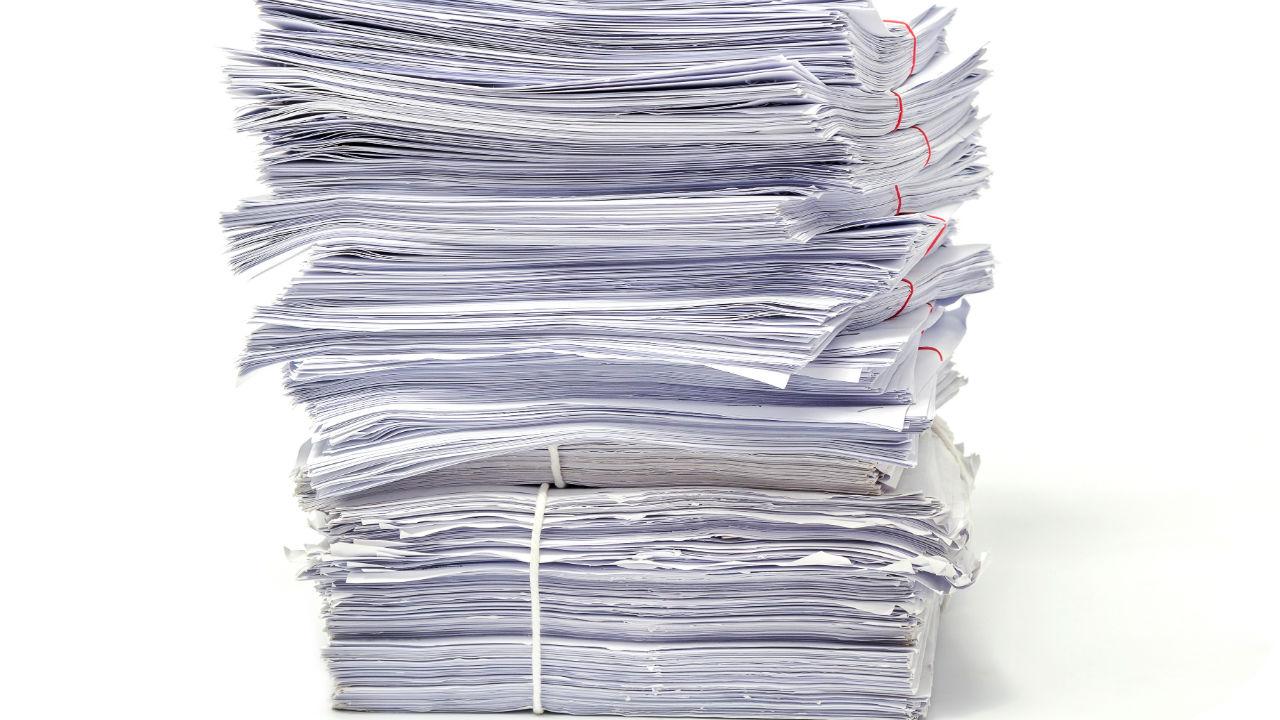 La hoja oficial de reclamación se compone de tres copias:una dirigida al órgano habilitado para tramitarla, otra para el titular del establecimiento y otra para el consumidor.